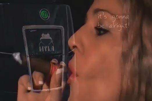 Likvidace kouře z cigaret hylou