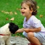 Proč nás psi olizují ? Zkouší, jestli už jsme ksežrání !