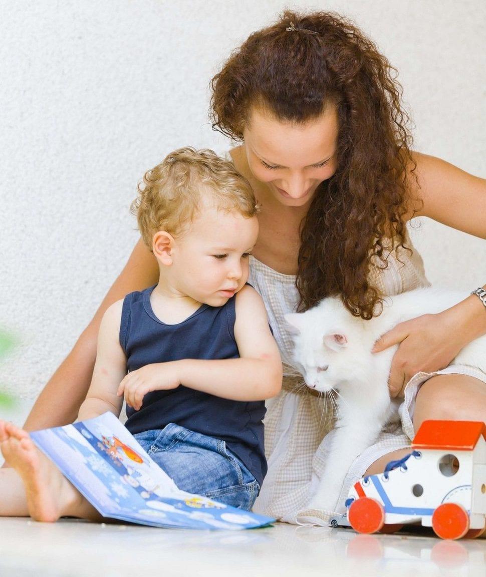 Alergie dítěte na kočku řeší máma úspěšně